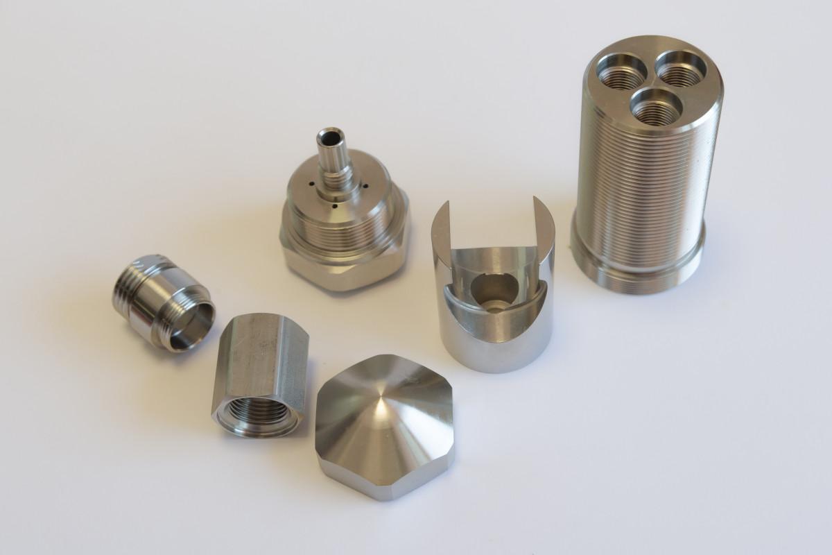 lavorazioni meccaniche assortite realizzate con tornio cnc