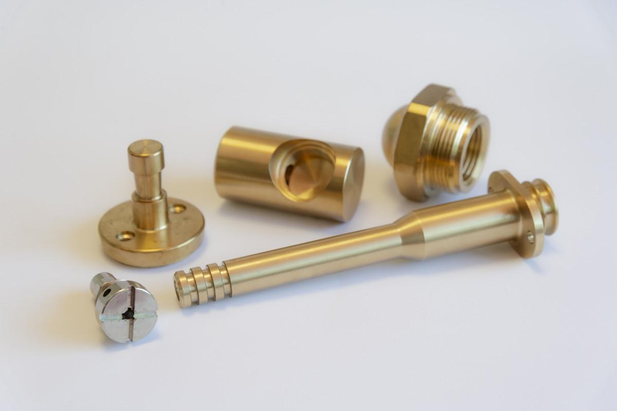 componenti di precisione in ottone